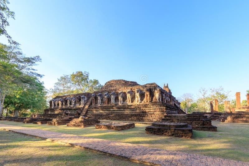 Wat Chang Rob-tempel in het Historische Park van Kamphaeng Phet, Unesco-de plaats van de Werelderfenis royalty-vrije stock foto's
