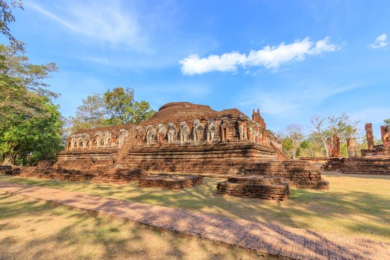 Wat Chang Rob-tempel in het Historische Park van Kamphaeng Phet, Unesco-de plaats van de Werelderfenis stock afbeelding