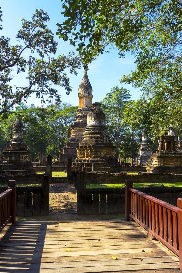 Wat Chedi Chet Thaeo e pagode velho fotografia de stock royalty free