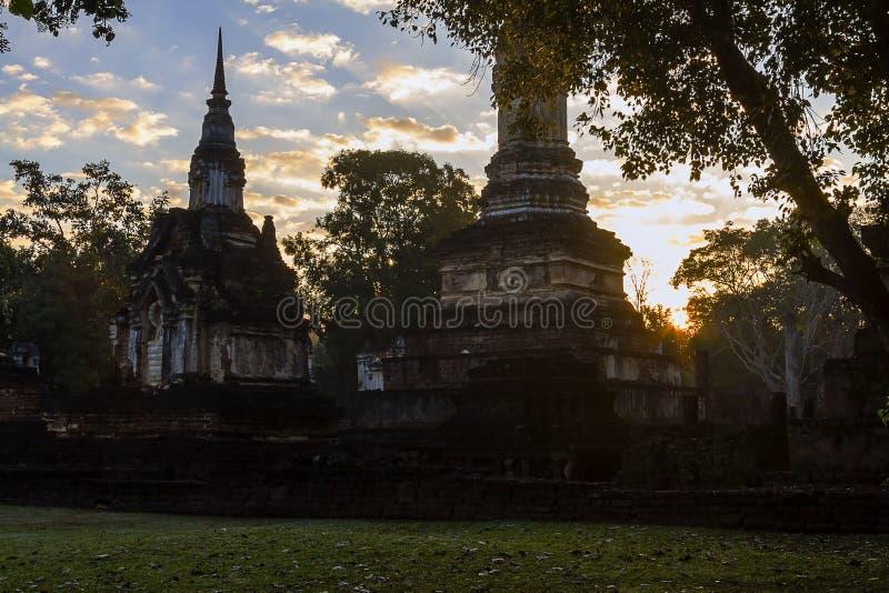 Wat Chedi Chet Thaeo e sombra que moning foto de stock