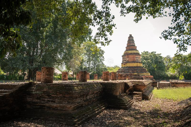 Wat Chedi Liam Wat Ku Kham ή ναός της τακτοποιημένης παγόδας στην αρχαία πόλη Wiang Kam, Chiang Mai, Ταϊλάνδη στοκ εικόνες