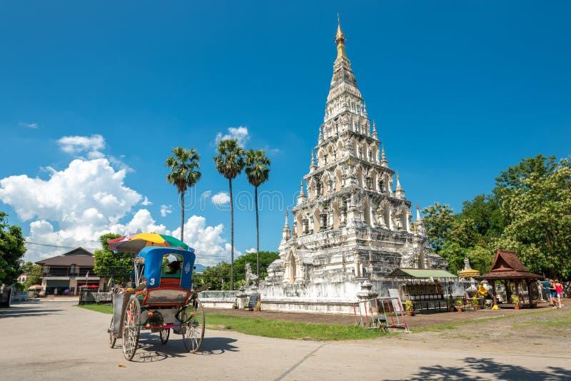Wat Chedi Liam Wat Ku Kham ή ναός της τακτοποιημένης παγόδας στην αρχαία πόλη Wiang Kum Kam, Chiang Mai, Ταϊλάνδη στοκ φωτογραφία