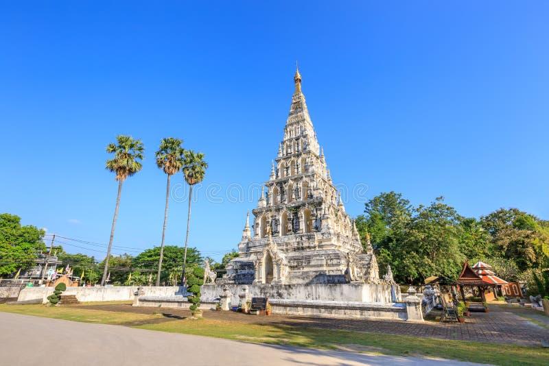 Wat Chedi Liam Ku Kham of Tempel van de Geregelde Pagode in oude stad van Wiang Kum Kam, Chiang Mai, Thailand stock afbeelding