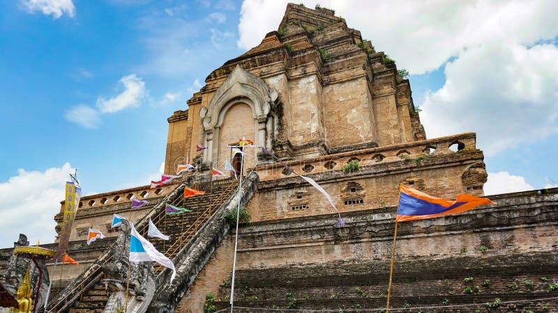 Wat Chedi Luang Varavihara är den buddistiska templet royaltyfri foto
