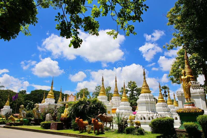 Wat Chedi Sao, Lampang, Thailand royalty-vrije stock foto's