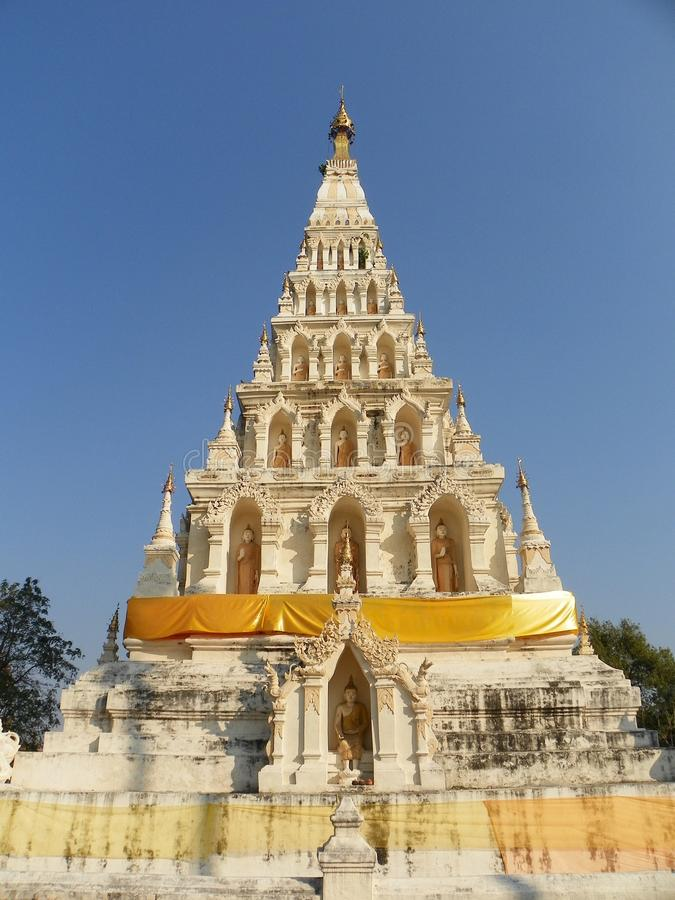 Wat chediliamtempel royaltyfria foton