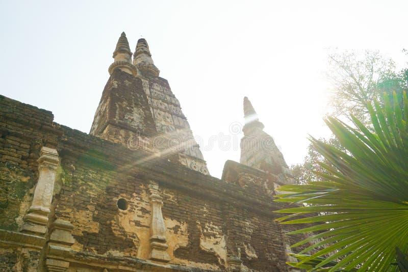 Wat Chet Yod är den buddistiska templet arkivbilder