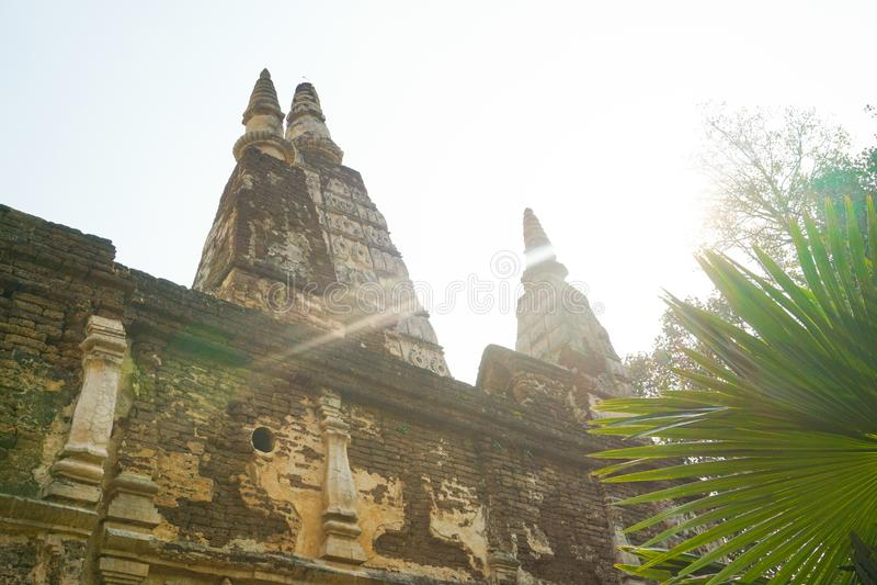 Wat Chet Yod ist buddhistischer Tempel stockbilder