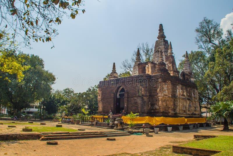 Wat Chet Yot (Wat Jed Yod) ή Wat Photharam Maha Vihara, ο δημόσιος βουδιστικός ναός με τη στέψη της επίπεδης στέγης του ορθογώνιο στοκ φωτογραφία με δικαίωμα ελεύθερης χρήσης