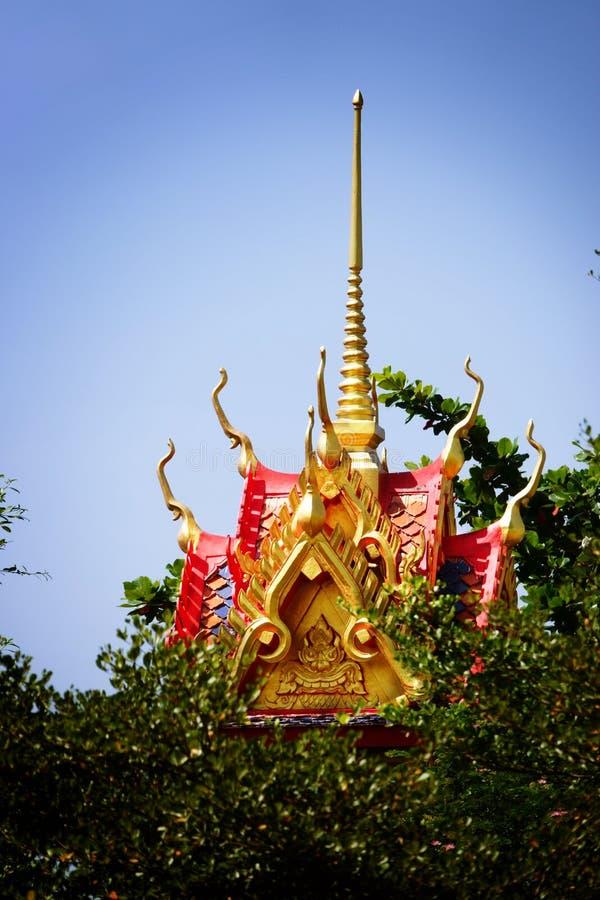 Wat Chom Phothayaram,Sothon,Mueang Chachoengsao区,泰国Thot 11月4日2018年在泰国chedi寺庙的Kathin 免版税库存图片