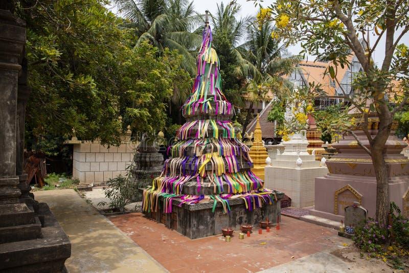 Wat Damnak-Beerdigungspagoden in Siem Reap, Kambodscha Traditionelle buddhistische Pagodenarchitektur lizenzfreies stockfoto