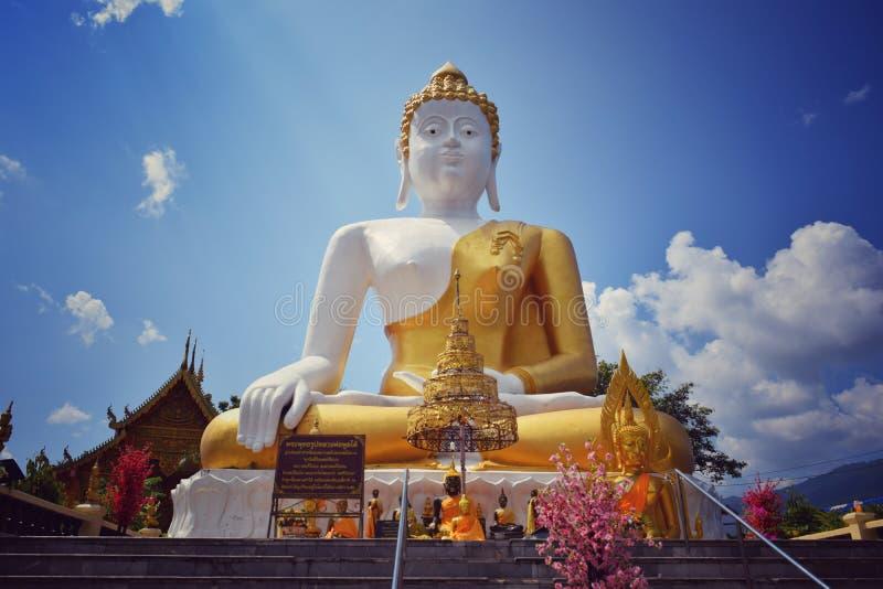 Wat Doi Kham Chiang Mai Thailand arkivfoton