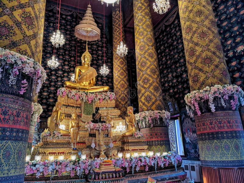 Wat hong Thonburi Thailand Bangkok. Gold buddha in temple stock photo