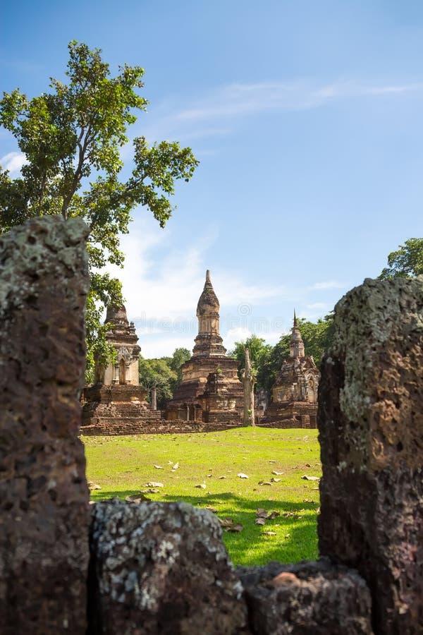 Wat Jedi Jed Teaw tempel i det Sukhothai landskapet, Thailand fotografering för bildbyråer