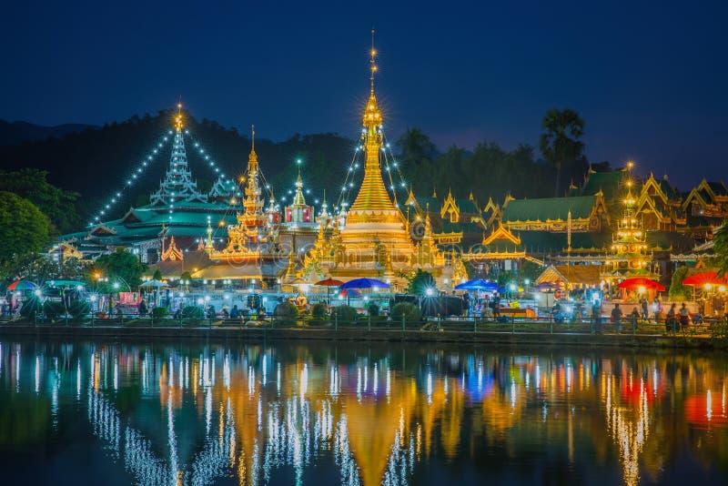 Wat Jongklang - Wat Jongkham el lugar más preferido para los touris imagenes de archivo