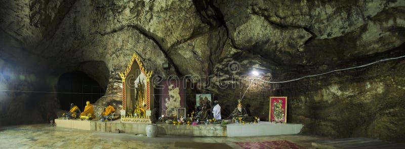 Wat Khao Orr in Phatthalung, Tailandia fotografia stock libera da diritti