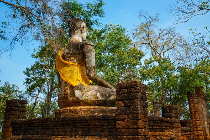 Wat Khao Phanom Phloeng Temple an historischem Park Si Satchanalai in Sukhothai, Thailand stockbild