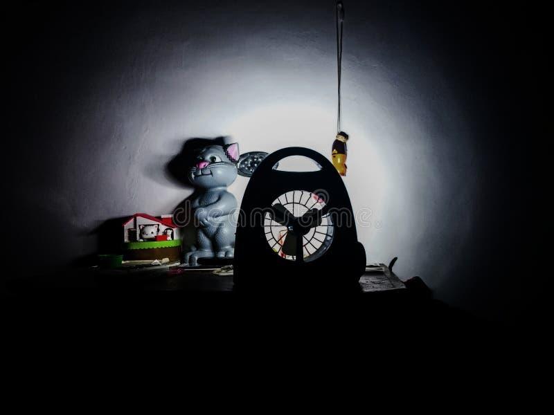 Wat licht in dark royalty-vrije stock fotografie