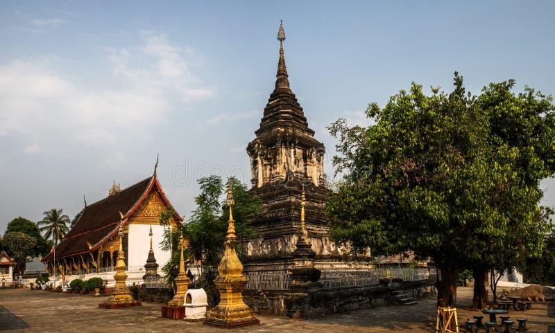 Wat That Litterally: ` o ` do templo de Stupa, província de Luang Prabang, Laos, fotografia de stock