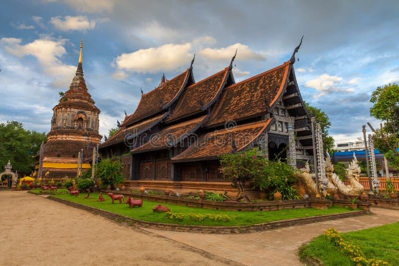 Wat Lok Molee på solnedgången, Chiang Mai, Thailand fotografering för bildbyråer