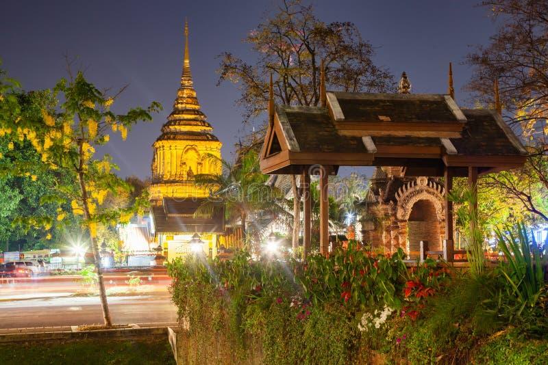 wat Lok Moli nachts Chiang Mai, Thailand stockbild