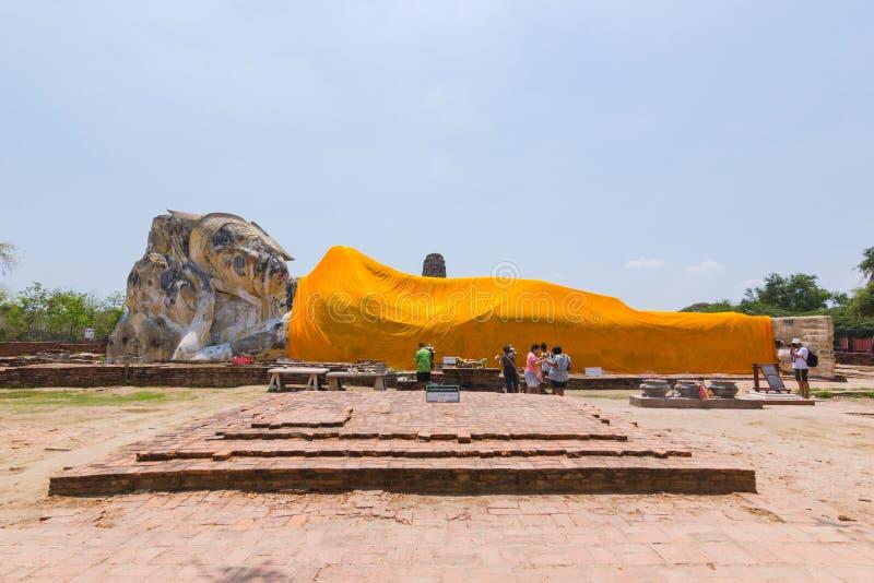 Wat Lokaya Suttha阿尤特拉利夫雷斯泰国A斜倚的菩萨斜倚的菩萨,最大 库存图片