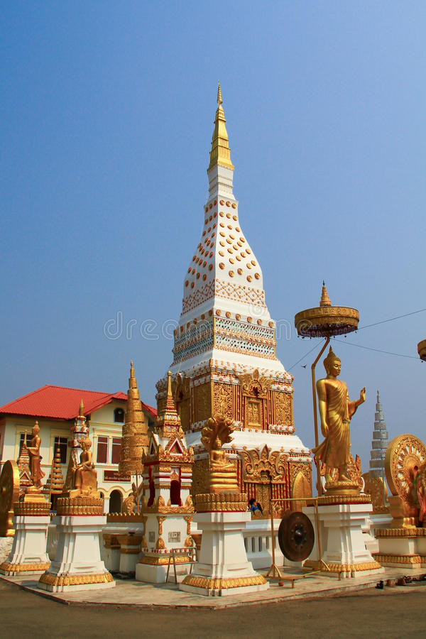 Wat Maha That Nakhon Phanom stockbilder