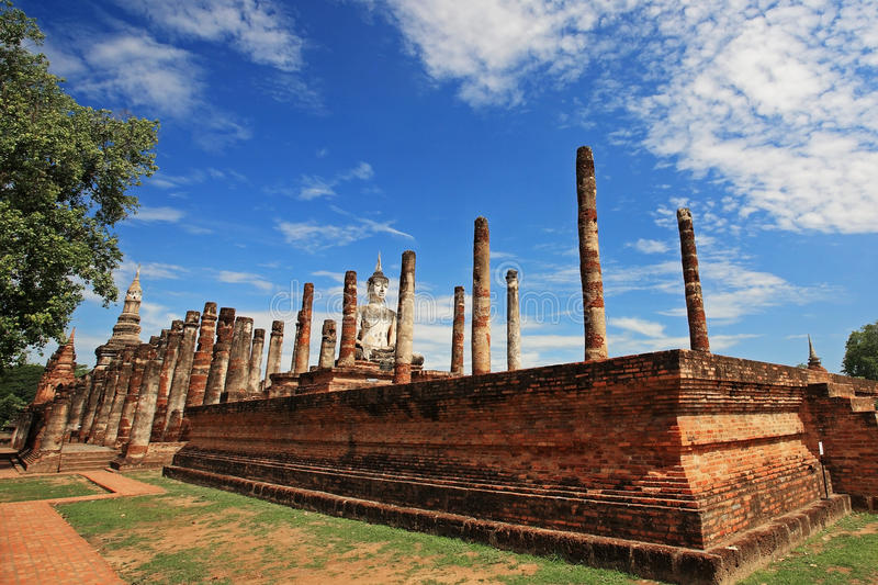 Download Wat Mahathat Against Blue Sky In Sukhothai, Thailand Stock Photo - Image: 33341420