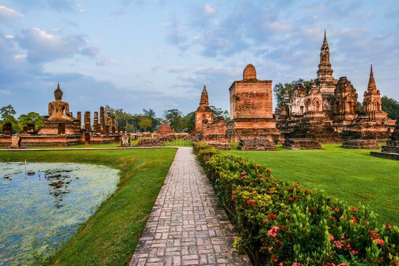 Wat Mahathat, a cidade velha de Sukhothai, Thailanda imagem de stock