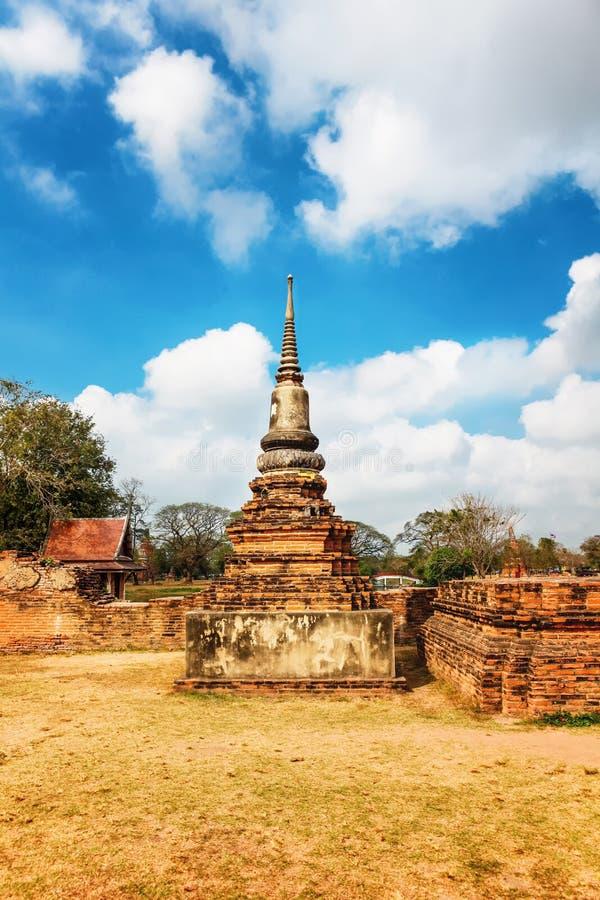 Download Wat Mahathat Im Komplex Des Buddhistischen Tempels In Ayutthaya Nahe Bangkok Thailand Stockbild - Bild von skulptur, asiatisch: 90237153