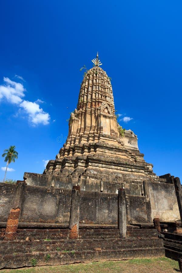 Wat Mahathat no parque histórico de Sukhothai, Tailândia foto de stock