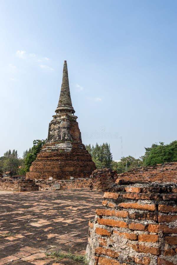 Wat Mahathat Prang y Chedi imagen de archivo libre de regalías