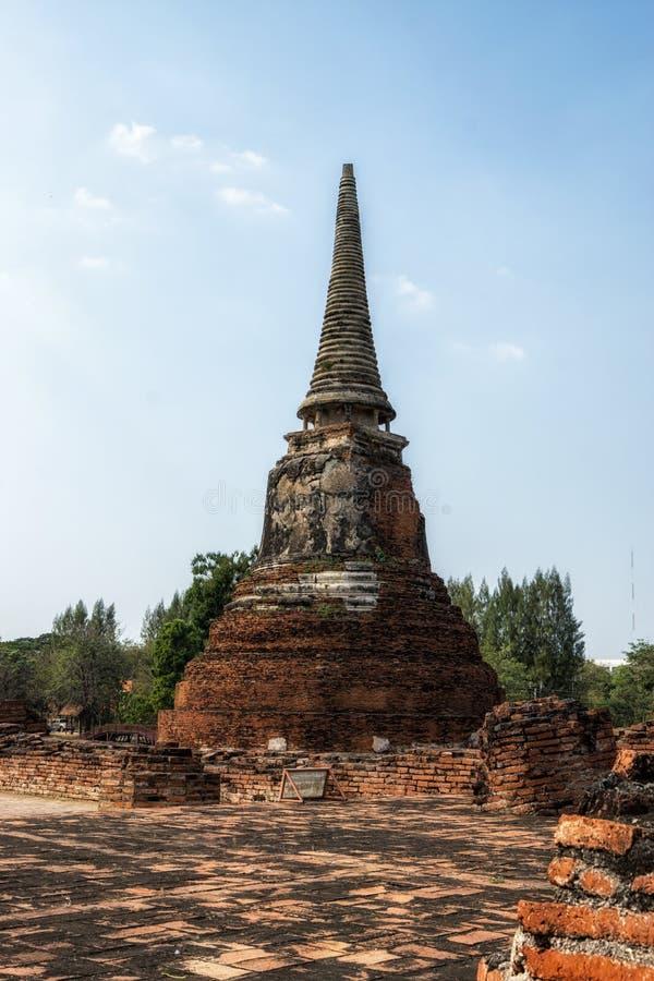 Wat Mahathat Prang y Chedi fotografía de archivo