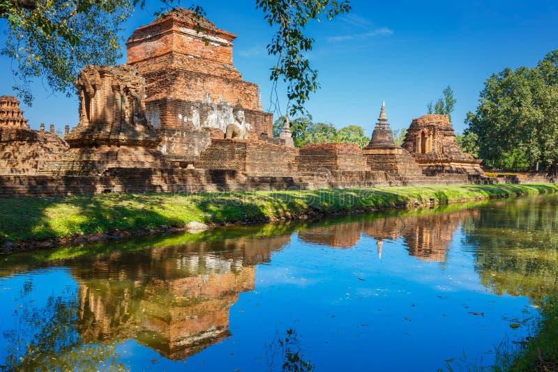 Wat Mahathat Temple in het gebied van het Historische Park van Sukhothai, een Unesco-Plaats van de Werelderfenis royalty-vrije stock afbeelding