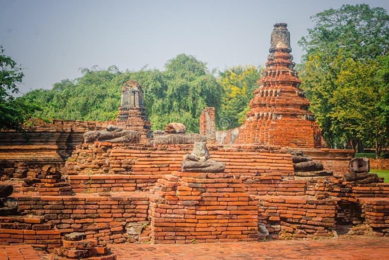 Wat Mahathat Temple in het gebied van het Historische Park van Sukhothai, een Unesco-Plaats van de Werelderfenis in Thailand royalty-vrije stock afbeelding