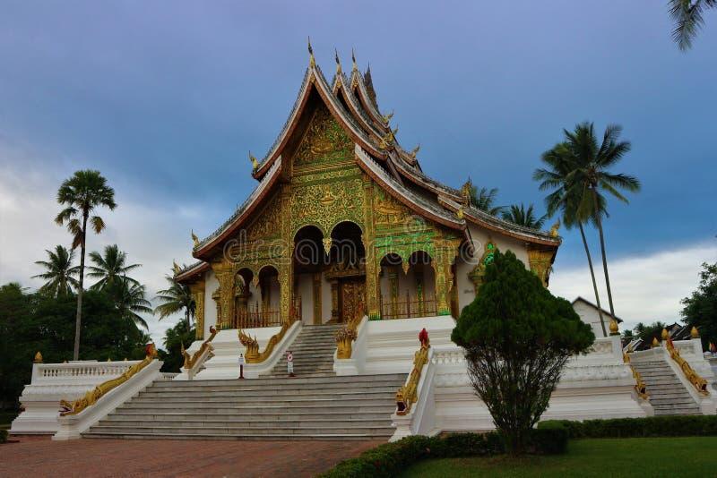 Wat Mai Suwannaphumaham Temple, stock afbeeldingen