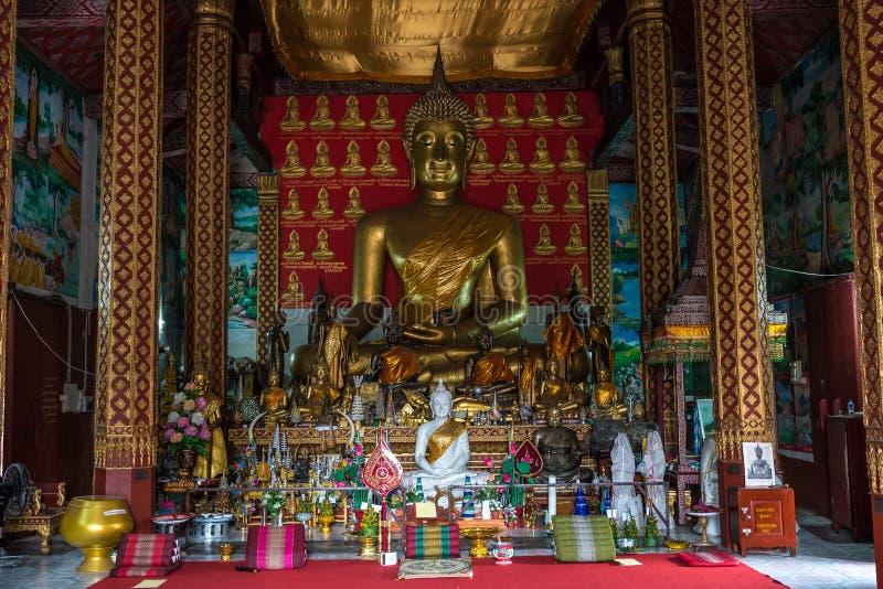 Wat Manorom - en forntida buddistisk tempel i Luang Prabang Laos arkivfoto