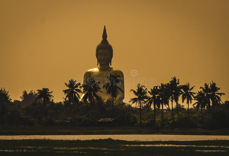 WAT MUANG, Ang Thong, TAILANDIA imagenes de archivo