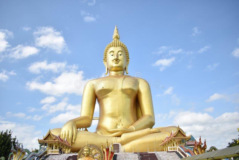 Wat Muang Monastery in Ang Thong Province stock foto