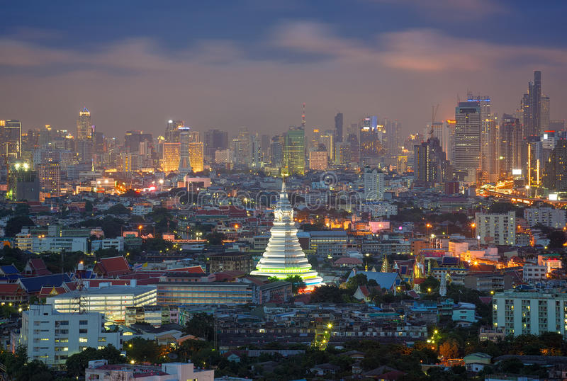 Wat Paknam Bhasicharoen Bangkok, Thailand royaltyfria bilder