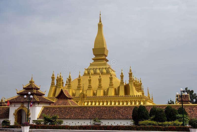 Wat Pha That Luang Temple i Vientiane, Laos arkivbilder
