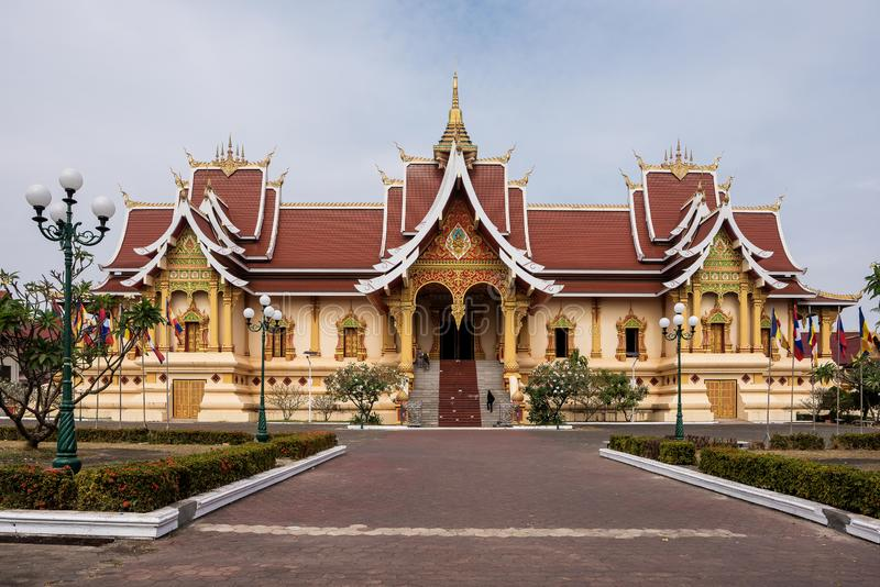 Wat Pha That Luang Temple i Vientiane, Laos fotografering för bildbyråer