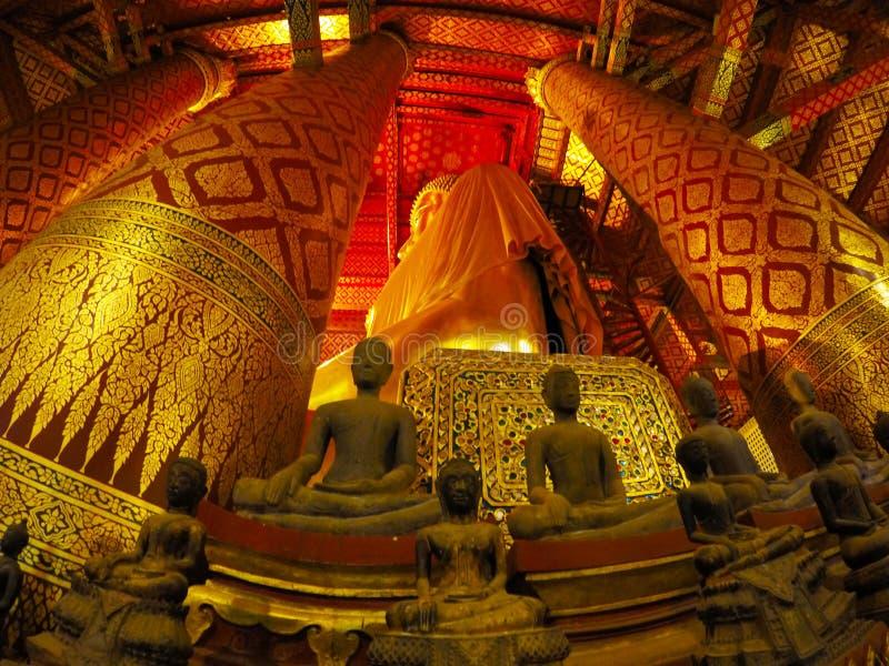 Wat Phanan Choeng in Ayutthaya, Thailand lizenzfreie stockbilder