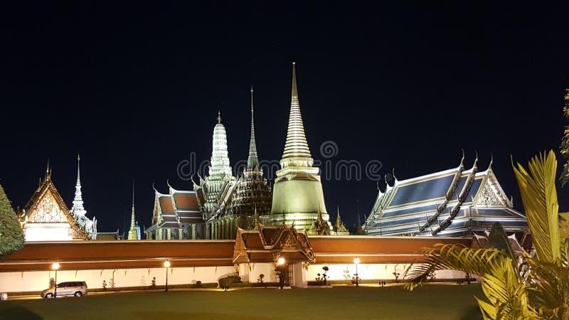 Download WAT PHASRI RATTANA SATSADARAM Ou WAT PHAKAO THAÏLANDE Image stock - Image du palais, temple: 87708291