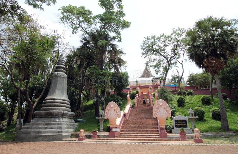 Wat Phnom in Phnom Penh, Kambodja stock afbeelding