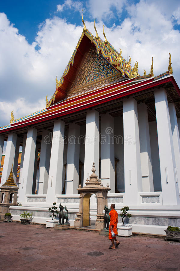 Download Wat Pho editorial stock photo. Image of statues, temples - 16089223