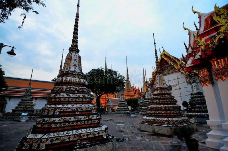 WAT PHO BANGKOK TAILANDIA lizenzfreie stockfotos