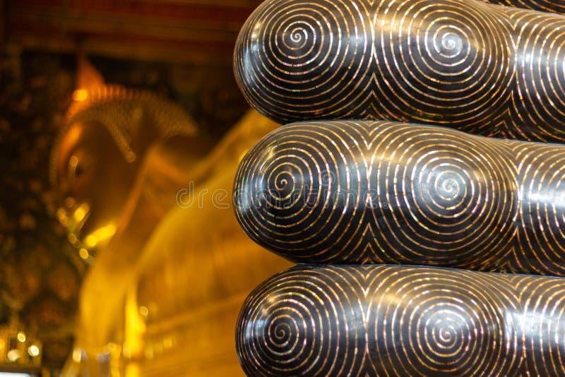 Wat-Pho, Bangkok Tailandia il più vecchio tempio è domestico ad un paio, popolare con gli ospiti fotografia stock libera da diritti