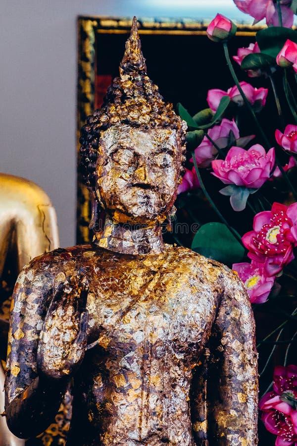 Wat Pho der Tempel des stützenden Buddhas oder des Wat Phra Chetuphons, befindet sich hinter dem Tempel stockbild