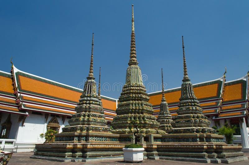 Wat Pho i Bangkok - tempel av att vila Buddha royaltyfri bild